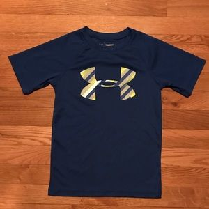 Boys Size XS Blue Under Armour T-shirt